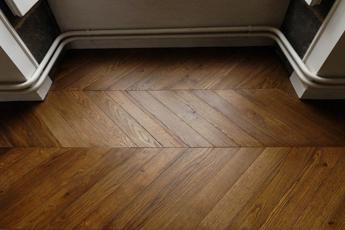 Solid oak parquet, thickness 14 mm, with aged patined finishing