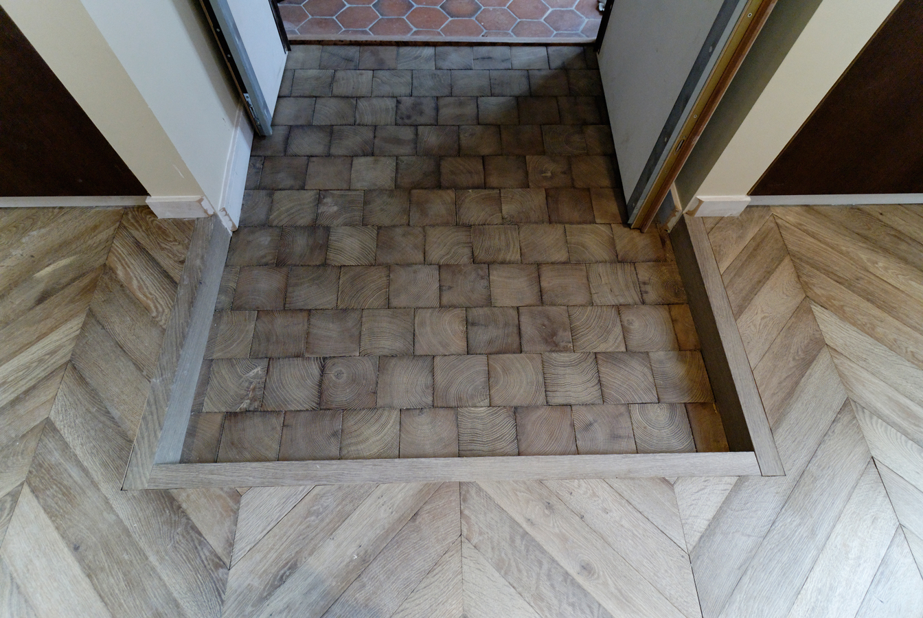 Junction With The Entrance Paving End Grain Wood Blocks Parquets