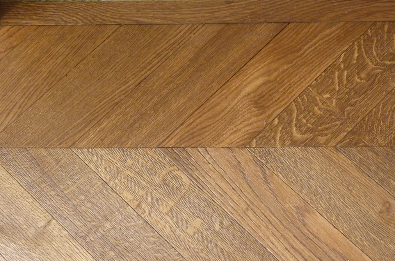 Parquet floor in solid oak
